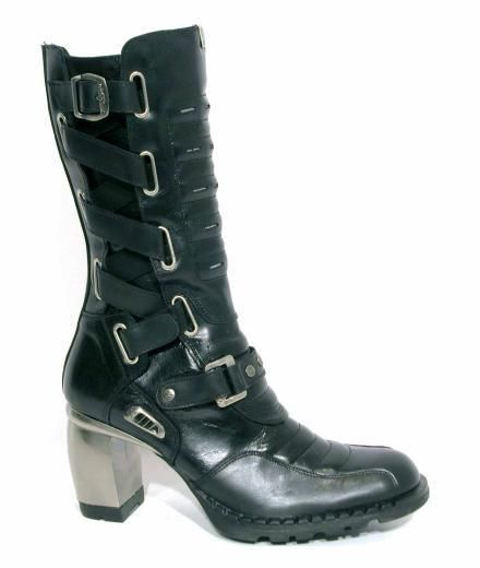 I LOVE NEW ROCK BOOTS - and need a pair of these!  PS. if you are a New Rock Perv, don't bother messaging me - I won't reply!