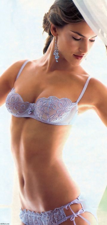 the detailing on the bra is quite lovely
