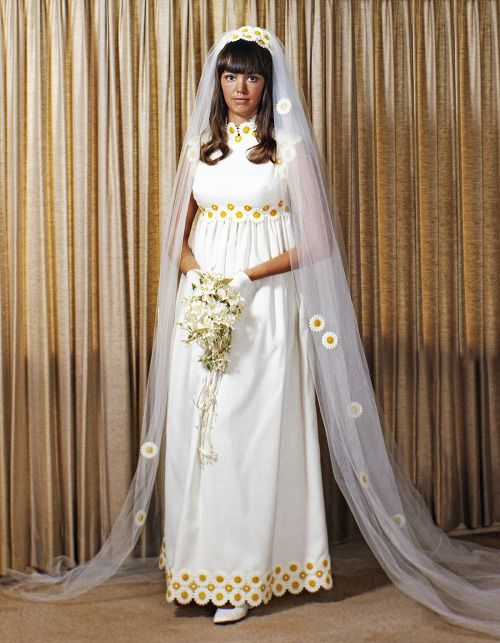Vintage Brides — 1971 bride Cherry Photo by Bill Weaks, Plainview,...