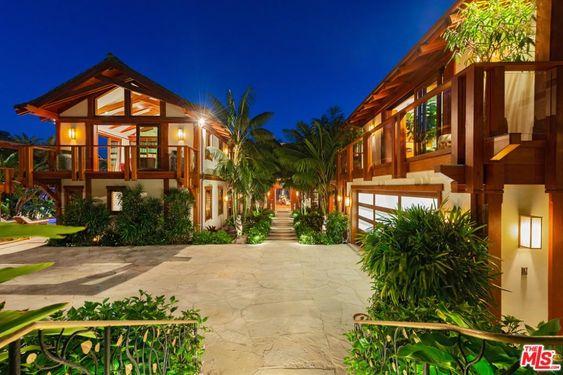 Malibu Ca Real Estate Malibu Homes For Sale Realtor Com In 2020 Malibu Homes Beach Mansion Celebrity Houses