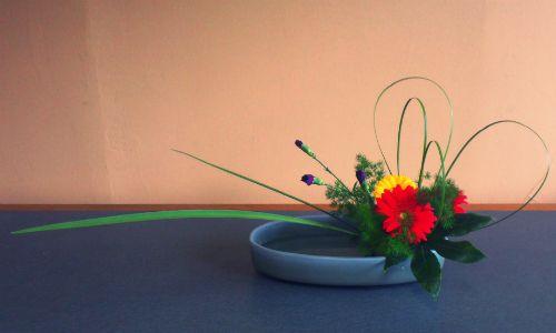 February 2, 2013 Freestyle Materials: Gerbera, Carnation, Steel Grass, Fig leaf, Agapanthus leaf