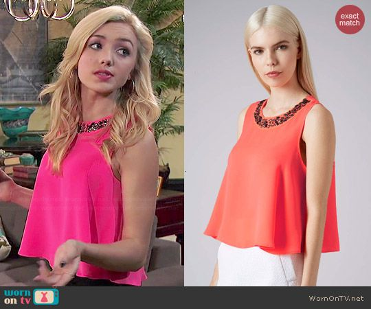 Emma's pink beaded neck top on Jessie.  Outfit Details: http://wornontv.net/45968/ #Jessie