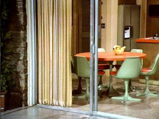 The Brady Bunch Kitchen thru the sliding back doors....: