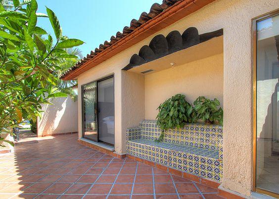 Para Charlar - Villa en venta en Acapulco, junto al Fairmont Acapulco Princess - Más información aquí: http://pueblaresidencial.com/listing/villa-2-niveles-acapulco-casas-en-venta-en-acapulco/