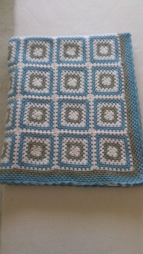 Manta granny square para los pies de la cama de 1 50 hecha for Sofa cama 1 50 de ancho