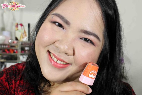 Full Lips application of La Tulipe Liptint - Peach Soda