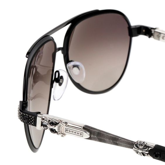 #ChromeHearts #BladeHummerII  Why should #sunglasses only be functional?