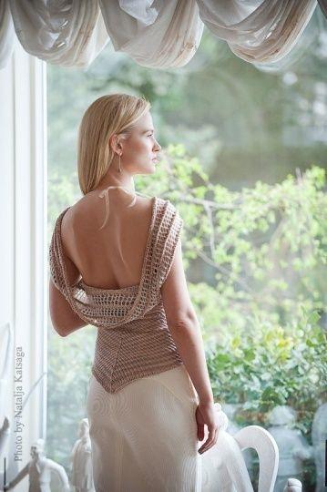 Chorrilho de ideias: Bonita blusa costas decotadas beije em crochet