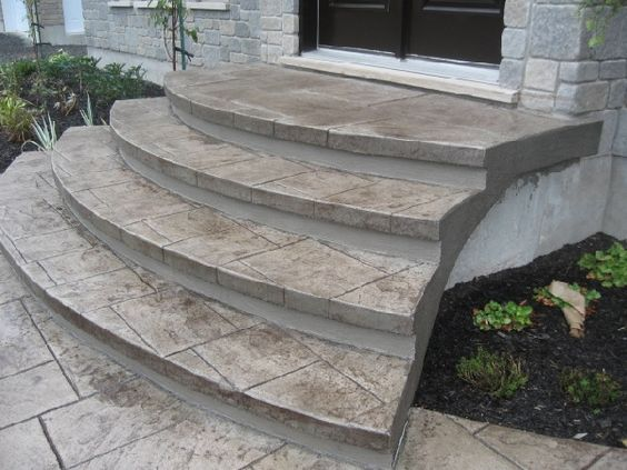 Escaliers en b ton estamp around the house pinterest for Pave beton exterieur