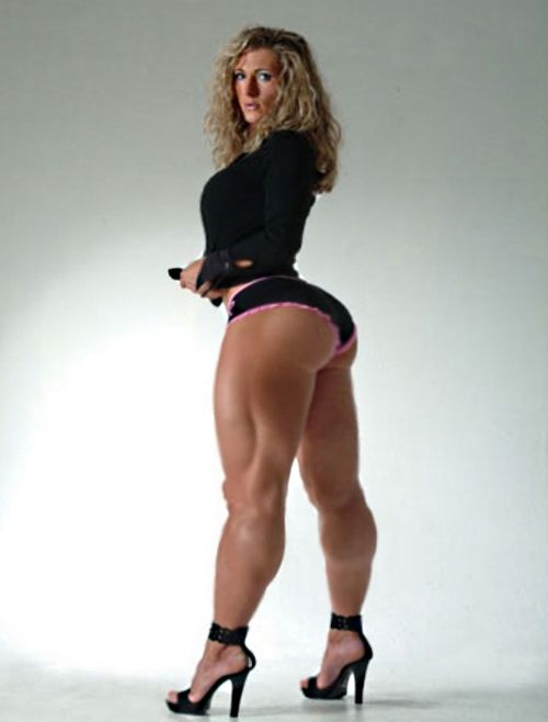 Women with strong legs and big tits