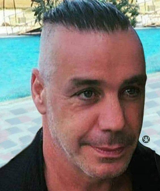 Fanpage For Till Lindemann On Instagram Rammstein Tilllindemann Lindemann Beste Legende Rammsteinfurimmer Richardkr Till Lindemann Rammstein Instagram