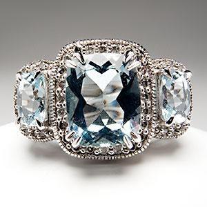 gorgeous diamond and aquamarine ring.