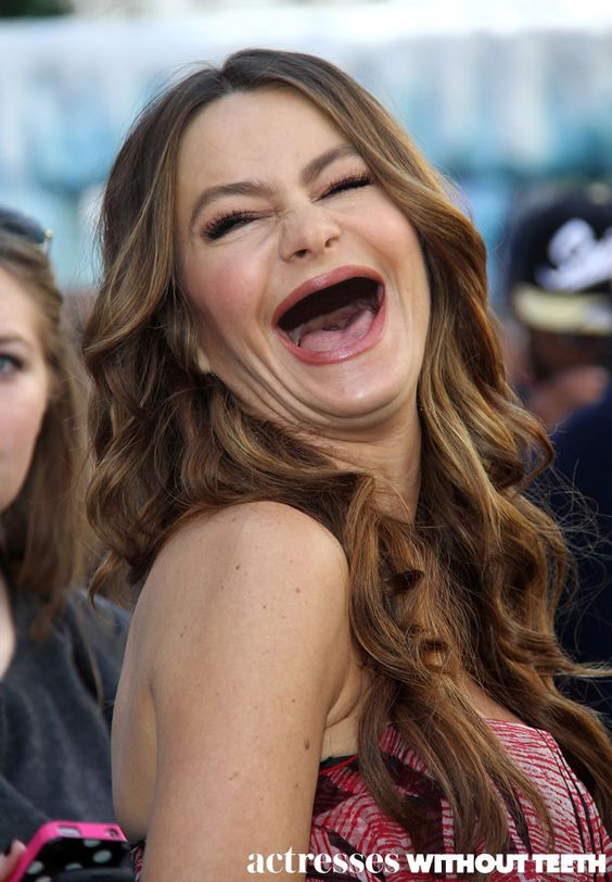 View the Top 10 Celebrity Smiles - Teeth Whitening Reviews