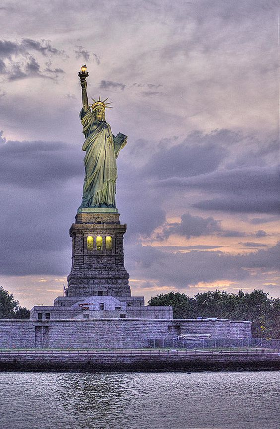 ✮ Statue of Liberty, New York City, NYC. Wanna watch the ball drop at Time Square and take the ferry boat to see The Statue of liberty with my hubby!