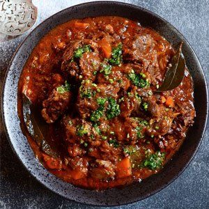 Braised red wine oxtail