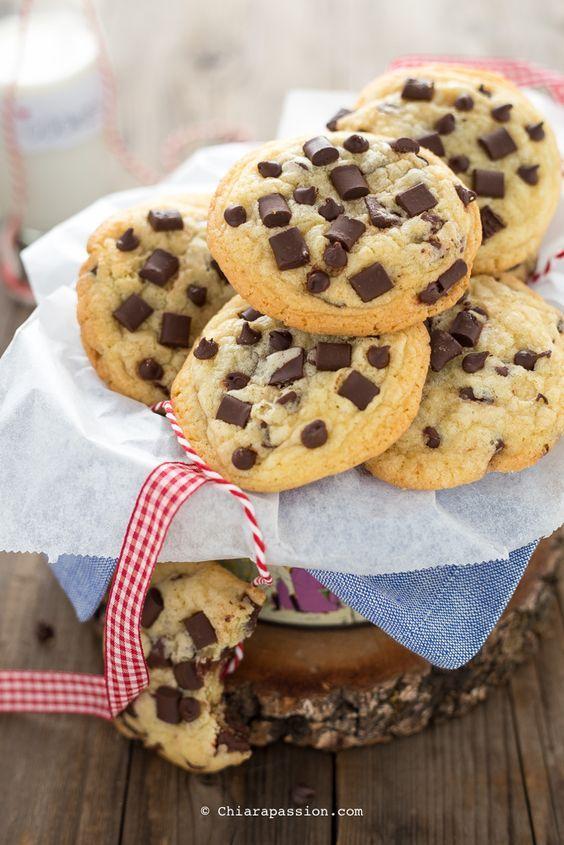 Ricetta Originale Cookies Inglesi.Cookies Americani Con Gocce Di Cioccolato Ricetta Originale Recipe Biscotti Cookies Cookie Recipes Desserts