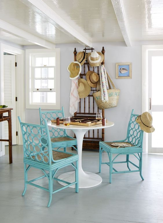 Chatterbox An Island Home In The Heart Of Harbour Island Dunmore Town Beach House Living Room Living Room Turquoise Beach Cottage Decor