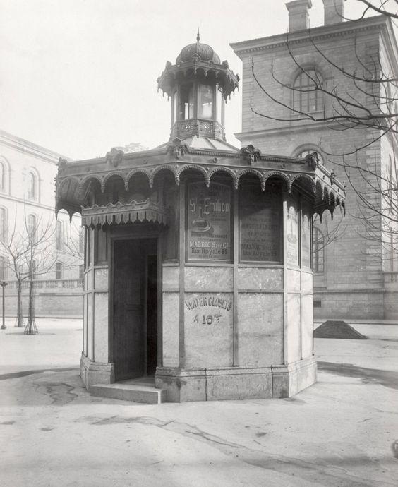 03-Charles_Marville,_Châlet_de_nécessité_du_marché_de_la_cité,_Dorion_prorre,_ca._1865