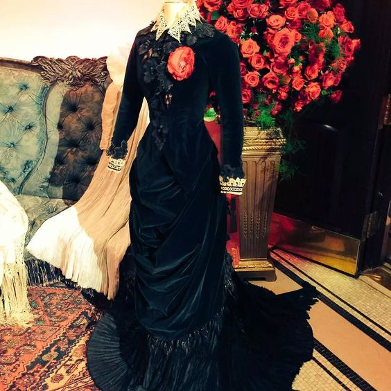 mariedauphine:  angryschnauzer:  Crimson Peak costumes on display at the Premiere after party. Photos from Crimsonpeak on twitter.  YOU GUYS. I CAN'T WAIT