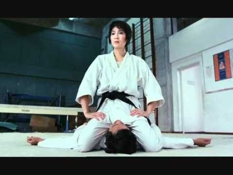 Michelle Yeoh & Sammo Hung in a funny scene. I would kill a man to be Sammo Hung right now
