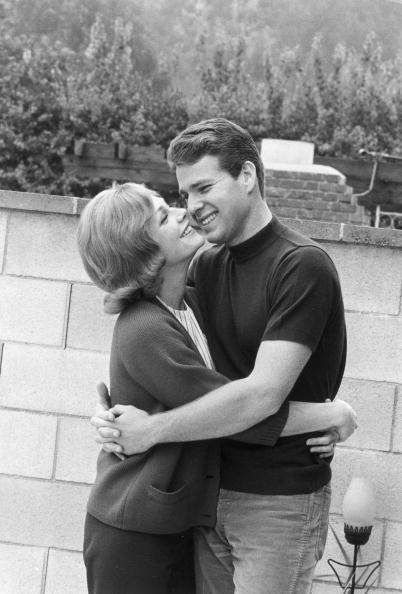 Joanna Moore and husband Ryan O'Neal, 1960s