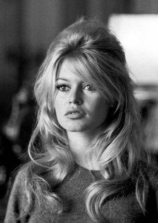 La demi-queue coque de Brigitte Bardot - ''la'' coiffure de la rentrée 2014 ! Nostalgie quand tu nous tiens !....