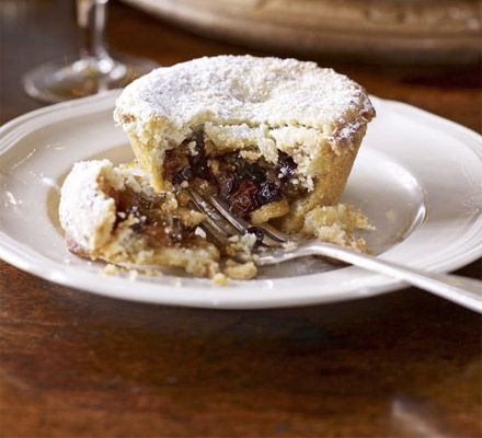 Paul Hollywood prefers melt-in-the-mouth pastry for his fruity mince pies, so this recipe is nice and short