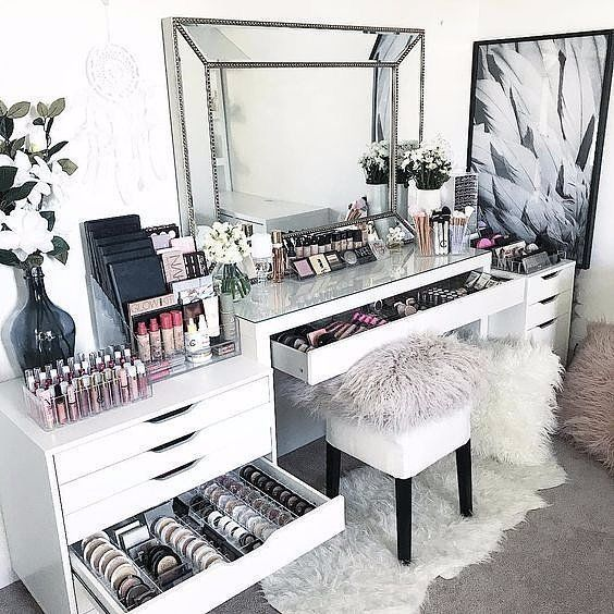13 Beautiful Makeup Room Ideas Organizer And Decorating Makeup Room Design Stylish Bedroom Makeup Room Decor