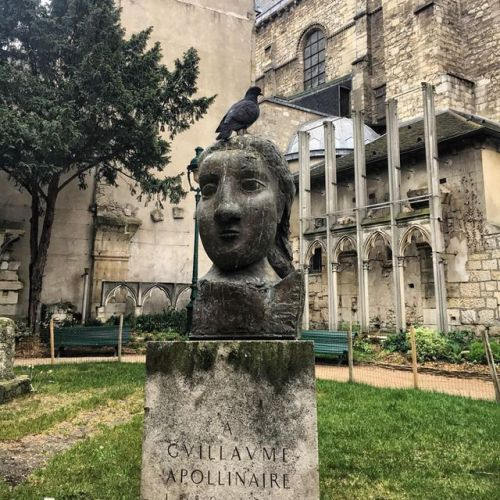 Pigeon At Home On The Picasso Sculpture Dedicated To His Poet Friend Guillaume Apollinaire In The Park Next To The Church Of Sain Paris Saint Germain Sculpture