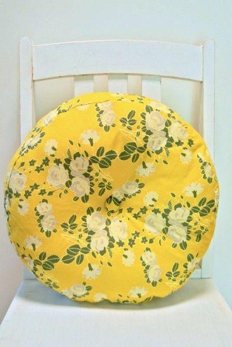 Pinwheel Cushion by tea for evie