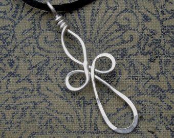 Lange Loopy Celtic Cross Silberdraht Anhänger- Keltisches Kreuz Halskette - Draht Cross, Erstkommunion, Firmung Geschenk Schmuck