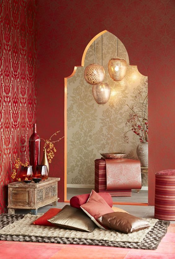 A beautiful Moroccan space. Lovely lighting and some gorgeous stencils. www.decorarconarte.com.: