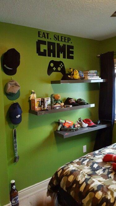Gamers bedroom
