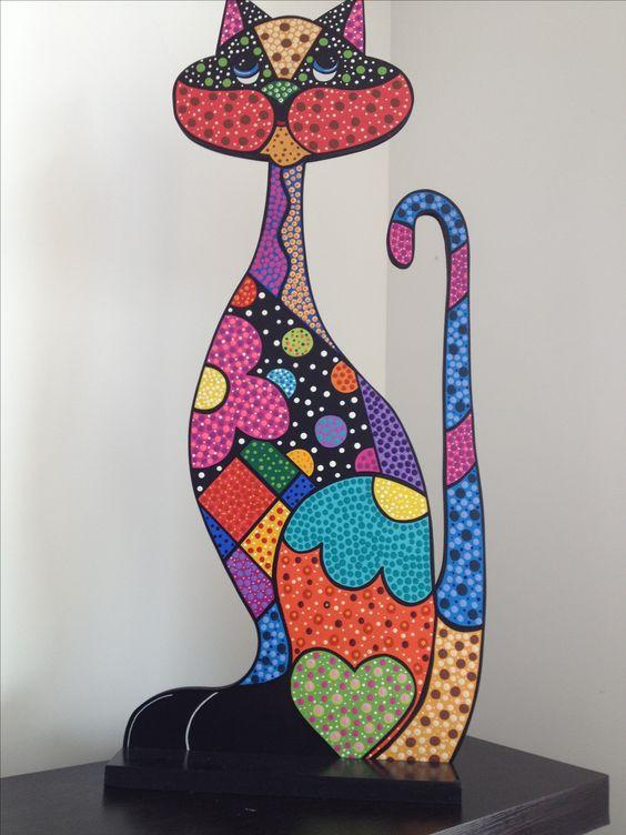 Escultura gato en puntillismo frutas puntillismo y - Decorar madera con pintura ...