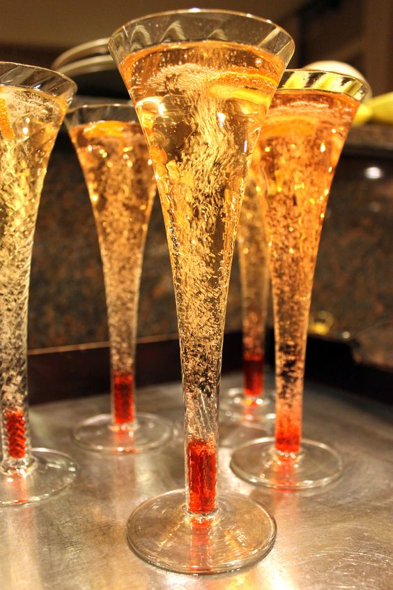 Champagne sunrise ingredients champagne sparkling wine for Champagne mixed drinks