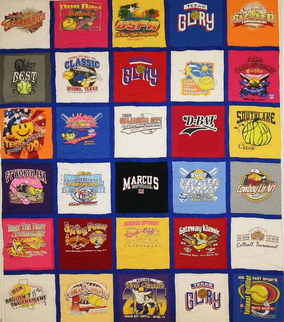 30 Sq Full T Shirt Quilt With Royal Blue Sashing And