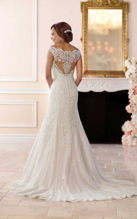 Princess Wedding Dress With Off The Shoulder Sleeves Wedding