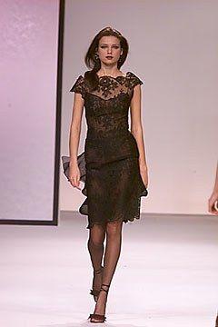 Valentino Fall 2000 Ready-to-Wear Fashion Show - Valentino Garavani, Irina Bondarenko