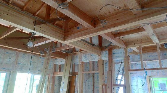 Web内覧会 梁出し天井で30cm高さアップ 構造用木材 解放感のある