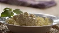 Slow Cooker Chicken Stroganoff....for over Spaghetti Squash! Mmmmm! This sounds amazing!