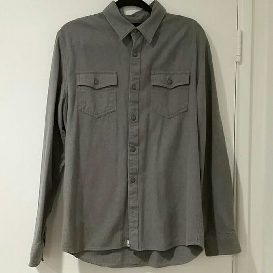 Mens dress shirt This shirt is very thick material. In great condition and looks really good dressed up or down. Vans Shirts Casual Button Down Shirts