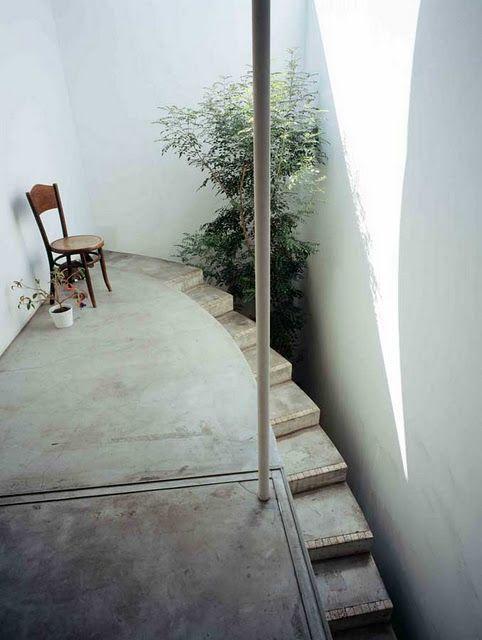 LOVE HOUSE / Hosaka Takeshi Architects. photo: Masao Nishikawa. via Life on Sundays #staircase #exteriors