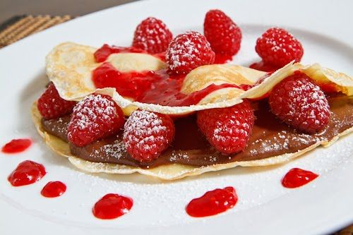 raspberry and nutella crepes from closetcooking.com