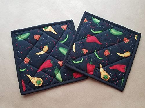 Chili Pepper Potholders Set Of 2 Southwestern Kitchen Linens Chili Peppers Home Decor Hot Pads Insulated Trivets Te Kitchen Themes Hot Pads Kitchen Linens