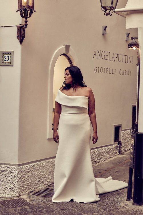 Pin On Minimalist Wedding Dresses Gowns For The Curvy Plus Size Bride