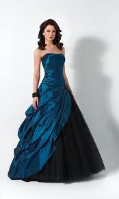 a dark blue edgy prom dress. perfect for those edgy rockers ...