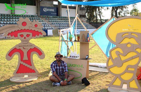 Montaje de Ecostands para exterior. Ecomusic Fest 2014.