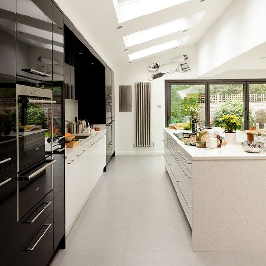 Glossy Black-and-white Kitchen