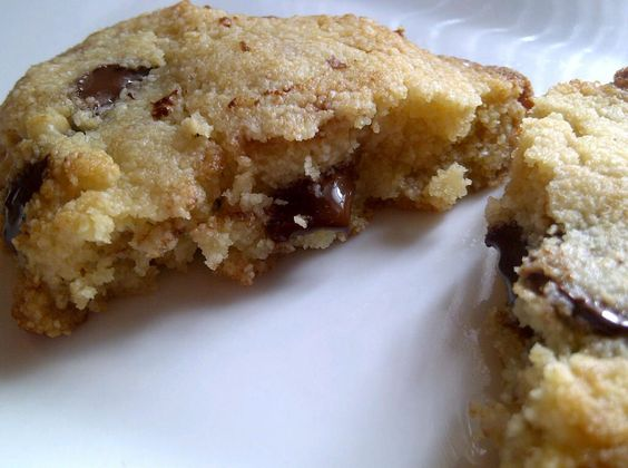 Chocolate Chip Cookies with Almond Flour {Grain free and Low Carb!} « All the Love– Without the Wheat