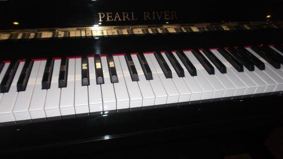 Boa tarde! Pianos Pearl River, encontra no Salão Musical de Lisboa. Venha experimentar! http://salaomusical.com/pt/search/?bxOrd=pasc&bxPgs=10&bxPag=1&bxTxt&bxPrc=0&bxMrc=18&bxCat=0&bxRef